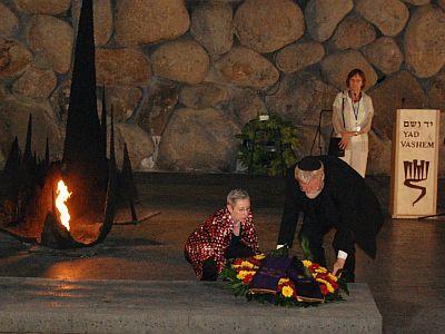 Kranzniederlegung in Yad Vashem - ein Akt der Versöhnung