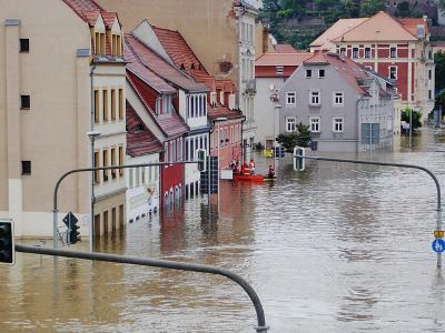 Überschwemmung Straße unter Wasser