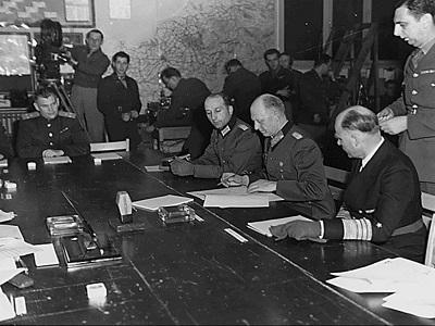 Unterzeichnung der bedingungslosen Kapitulation