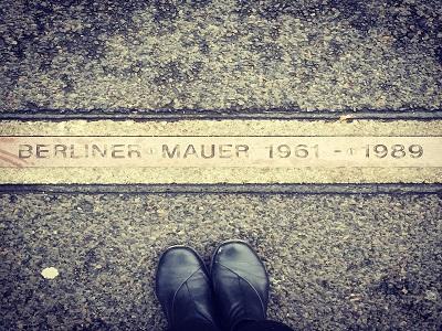 Gedenkschrift zur Berliner Mauer