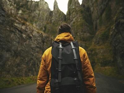 Wanderer von hinten